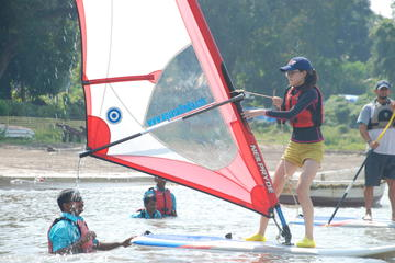 Private Beginner Windsurfing Course in Mandwa