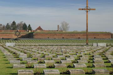 Privat rundtur i liten grupp till Theresienstadt från Prag