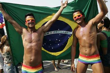 Excursão pela vida noturna gay no Rio...