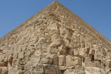 Private Half Day Tour to Giza Pyramids and Sphinx from Cairo