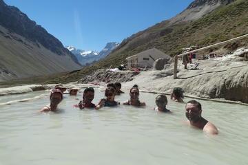 Excursión de un día a los baños termales Baños Colina desde Santiago