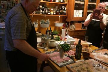 Lezione di cucina: polpette e tiramisù all'italiana