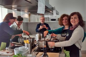Clase de cocina española en Sevilla