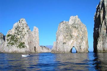 Discover Capri by boat