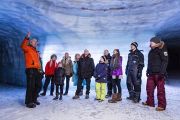 In den Gletscher: Eishöhlentour am Langjökull-Gletscher