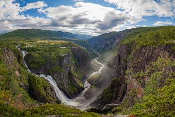 Hardangerfjord in a Nutshell - Bergen to Oslo