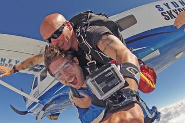 Salto duplo de paraquedas saindo de Sydney