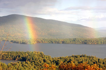 Day Trip Squam Lake Science Center Tour plus On Golden Pond Cruise near Manchester, New Hampshire