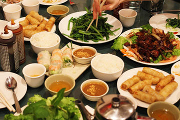 Hanoi Dinner Experience in a Local...