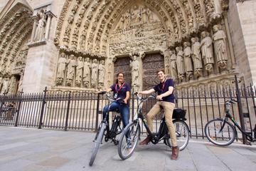Paris Highlights E-Bike Tour and Skip-The-Line Eiffel Tower Ticket