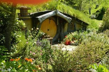 Ganztägige Landausflug: Hobbiton und Te Puia-Combo