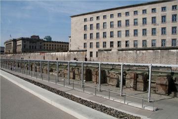 Visite historique à pied privée d'une demi-journée de Berlin sous le...