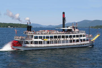 Day Trip Steamboat Minne Ha Ha One Hour Cruise near Lake George, New York