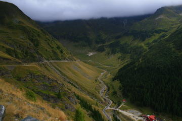 Sibiu Full-Day Tour: Hike to Glacial Lake Balea Lac Including Picnic