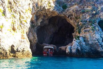 Recorrido en barco por la costa de Taormina e Isola Bella