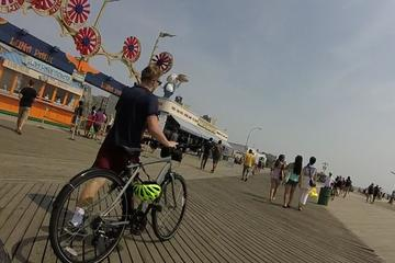 Coney Island and Rockaways Private Bicycle Tour with Lunch