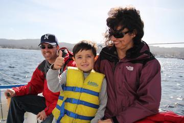 Crociera in barca a vela alla Baia di Monterey con vino