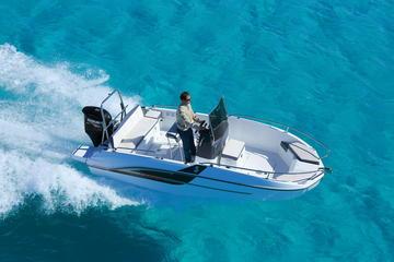 Recorrido privado en barco a motor en...