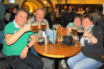 Prag Old Town und Bier Rundgang inklusive Abendessen
