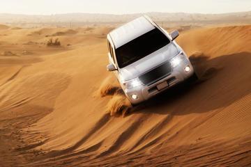 Safári pelas dunas vermelhas do deserto com jantar de churrasco e...