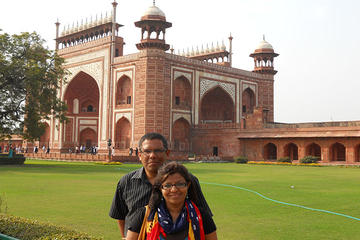 2 Days Private Sunrise Visit of Taj Mahal with Agra Fort and Fatehpur Sikri tour