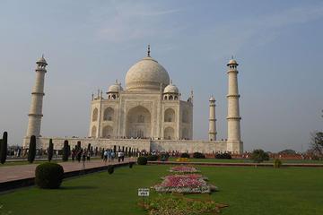 Full-Day Taj Mahal Agra Tour from Bangalore