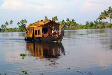 Overnight Private Tour: Romantic Kumarakom and Alleppey Houseboat...
