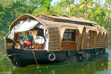 Private Cochin Tour with Backwater Houseboat cruise and Kathakali dance show
