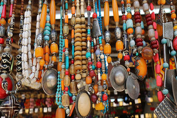 Private Evening Delhi Shopping Tour with Dinner and Transfer