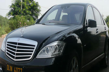 Private Luxury Hotel to Mumbai Airport Transfer by BMW or Mercedes