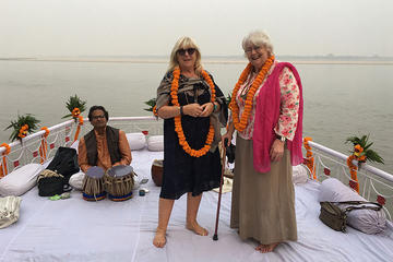 Private Maharaja Boat ride with musicians evening Aarti and dinner