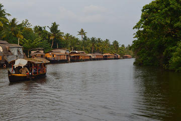 Private tour: Overnight backwater Cruise tour with romantic candle light dinner