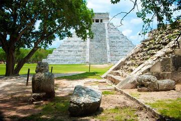 Private Coba and Chichen Itza Ruins with Lunch and Cenote Ik Kil Swim...