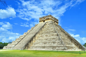 Private Tour: Archaeological Sites of Tulum, Chichen Itza and Cenote from Playa del Carmen or Tulum