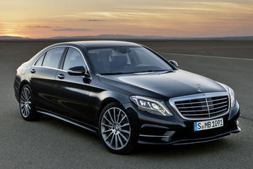 Private Departure Transfer by Luxury Car to Munich Central Station