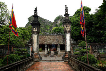 Hoa Lu and Tam Coc Day Trip from Hanoi