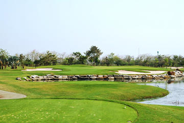Golf Tour Package: 5 Players at Lotus Valley Golf Resort Bangkok