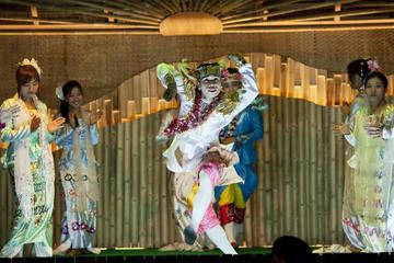 Chiang Mai: Experiência de jantar com show Kanthoke