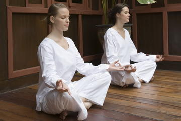 Evening Meditation Class at Wat...