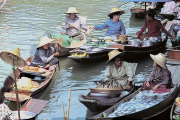 Half-Day Tour of Damneon Saduak Floating Market from Bangkok