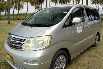 Private Transfer: Nadi Airport to Suva - 1 to 4 Seat Vehicle