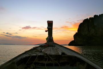 Excursão por 7 ilhas ao pôr do sol com churrasco no jantar e mergulho...