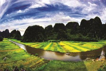 Ninh Binh and Ancient Hoa Lu Temples...