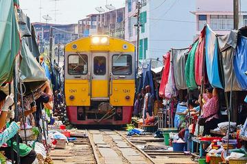 Bangkok - Damnoen Saduak and Train...