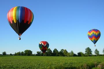 Balão de ar quente sobre a zona rural da Virgínia