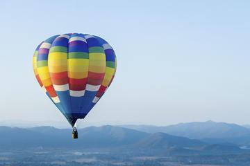 Excursão particular: Passeio de balão de ar quente sobre o centro de...