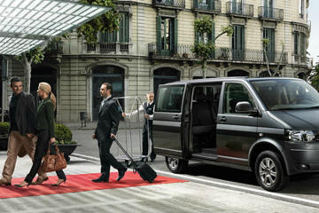 Private Round-Trip Transfer from Antwerp Airport to Bruges and Bruges to Antwerp Airport for max 8 passengers