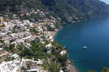 Conductor privado durante el día completo desde Nápoles a Sorrento...