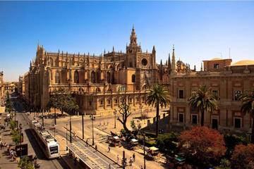 Seville Cathedral and La Giralda Skip-the-Line Ticket