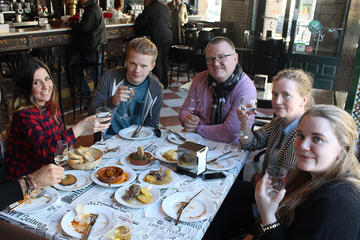 Triana Gourmet Tapas Tour in Seville
